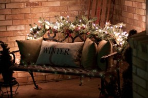 Totally Adorable Winter Porch Decoration Ideas 30