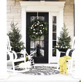 Totally Adorable Winter Porch Decoration Ideas 32
