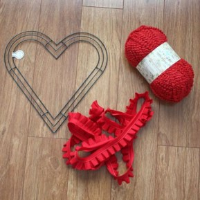 Totally Adorable Wreath Ideas For Valentines Day 36