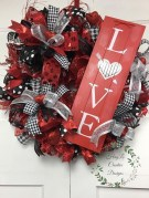 Totally Adorable Wreath Ideas For Valentines Day 38