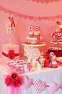 Totally Fun Valentines Day Party Decorations Ideas 34
