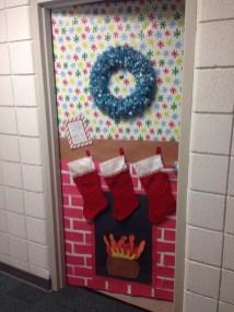 Totally Inspiring Winter Door Decoration Ideas 05