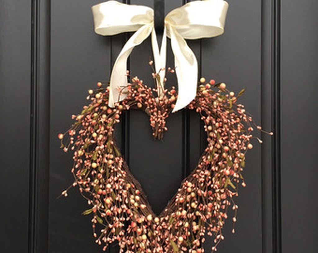 Unique Outdoor Valentine Decoration Ideas 42