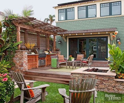 Adorable Wooden Privacy Fence Patio Backyard Landscaping Ideas 27