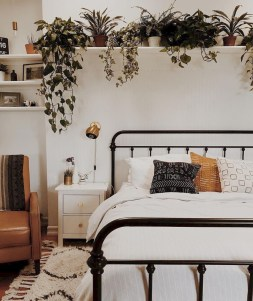 Affordable First Apartment Decorating Ideas On A Budget 47
