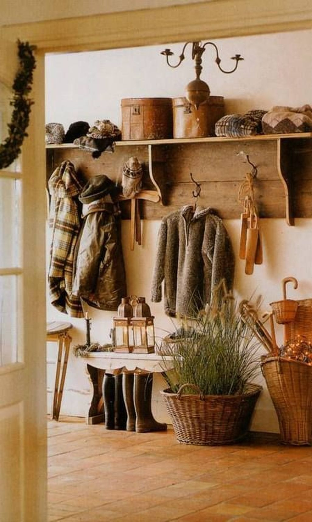 Amazing Farmhouse Entryway Mudroom Design Ideas 06