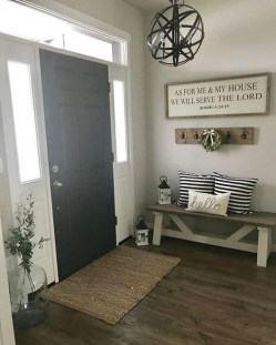 Amazing Farmhouse Entryway Mudroom Design Ideas 12