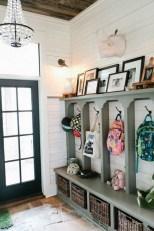 Amazing Farmhouse Entryway Mudroom Design Ideas 29