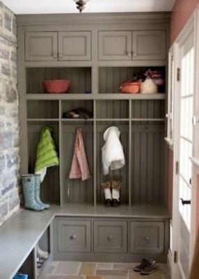 Amazing Farmhouse Entryway Mudroom Design Ideas 34