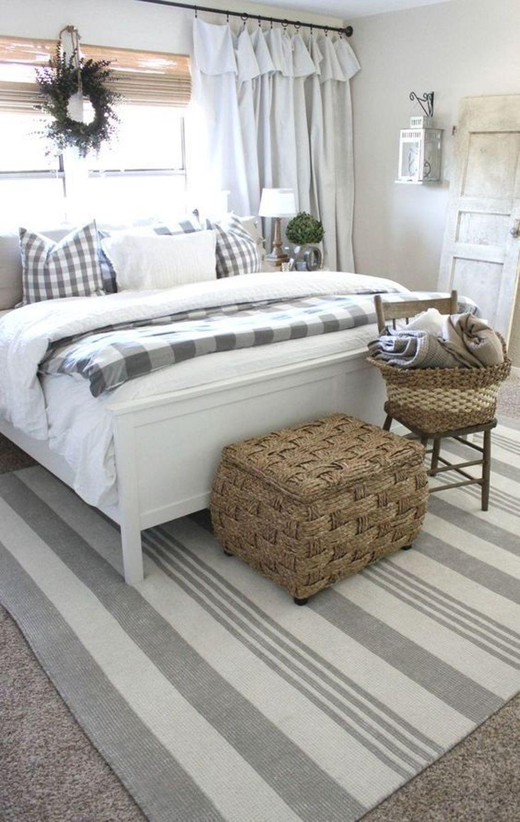 Amazing Farmhouse Style Master Bedroom Ideas 10