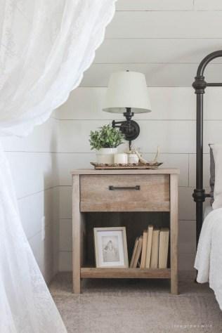 Amazing Farmhouse Style Master Bedroom Ideas 16