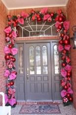 Amazing Outdoor Valentine Decoration Ideas 06