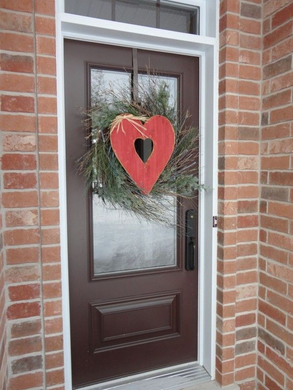 Amazing Outdoor Valentine Decoration Ideas 11