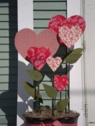 Amazing Outdoor Valentine Decoration Ideas 19