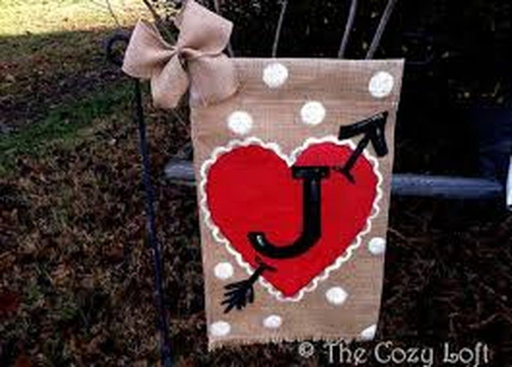 Amazing Outdoor Valentine Decoration Ideas 20