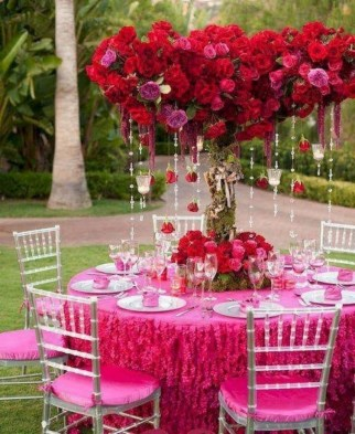 Amazing Outdoor Valentine Decoration Ideas 25