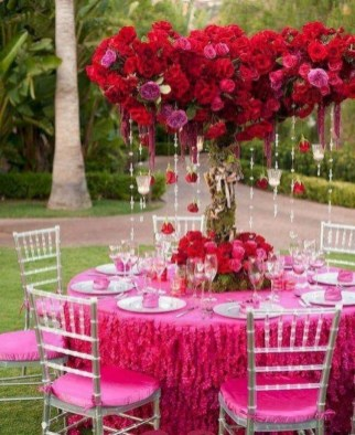 Amazing Outdoor Valentine Decoration Ideas 25
