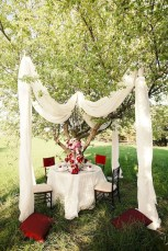 Amazing Outdoor Valentine Decoration Ideas 29
