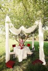 Amazing Outdoor Valentine Decoration Ideas 29