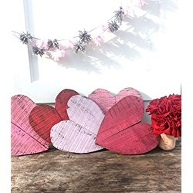 Amazing Outdoor Valentine Decoration Ideas 40