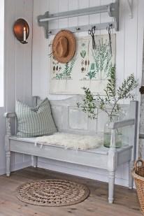Beautiful Rustic Entryway Decoration Ideas 24