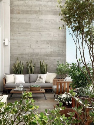 Cozy Apartment Balcony Decoration Ideas 24