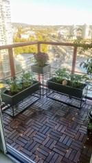Cozy Apartment Balcony Decoration Ideas 40