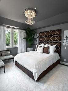 Elegant Small Master Bedroom Decoration Ideas 04