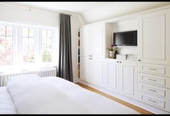 Elegant Small Master Bedroom Decoration Ideas 07