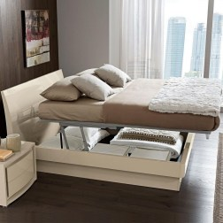 Elegant Small Master Bedroom Decoration Ideas 32