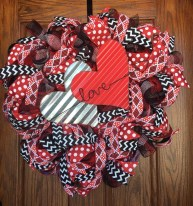 Fun And Festive Way Decorate Your Home For Valentine 14
