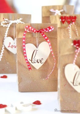 Fun And Festive Way Decorate Your Home For Valentine 15