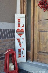Fun And Festive Way Decorate Your Home For Valentine 21