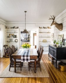 Inspiring Rustic Farmhouse Dining Room Design Ideas 40