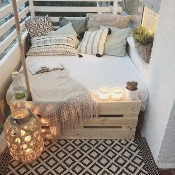 Minimalist Scandinavian Spring Decoration Ideas For Your Home 15