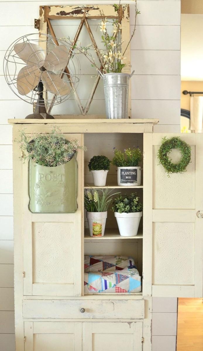 Adorable Farmhouse Spring And Summer Porch Decoration Ideas 08