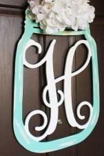 Adorable Farmhouse Spring And Summer Porch Decoration Ideas 17