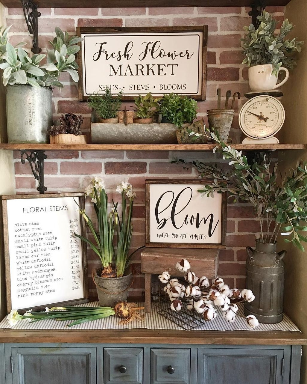 Adorable Farmhouse Spring And Summer Porch Decoration Ideas 31