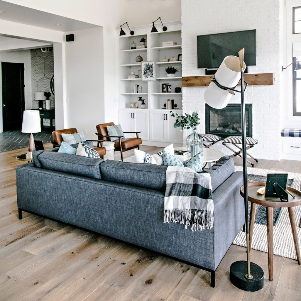 Amazing Rustic Farmhouse Living Room Decoration Ideas 06