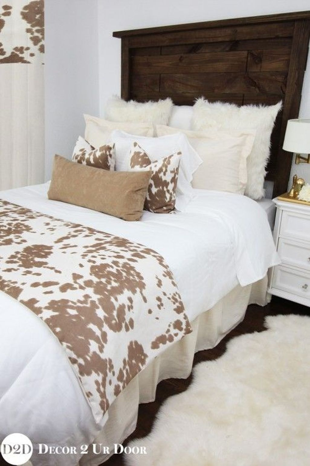 Awesome Rustic Farmhouse Bedroom Decoration Ideas 21