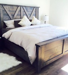 Awesome Rustic Farmhouse Bedroom Decoration Ideas 22