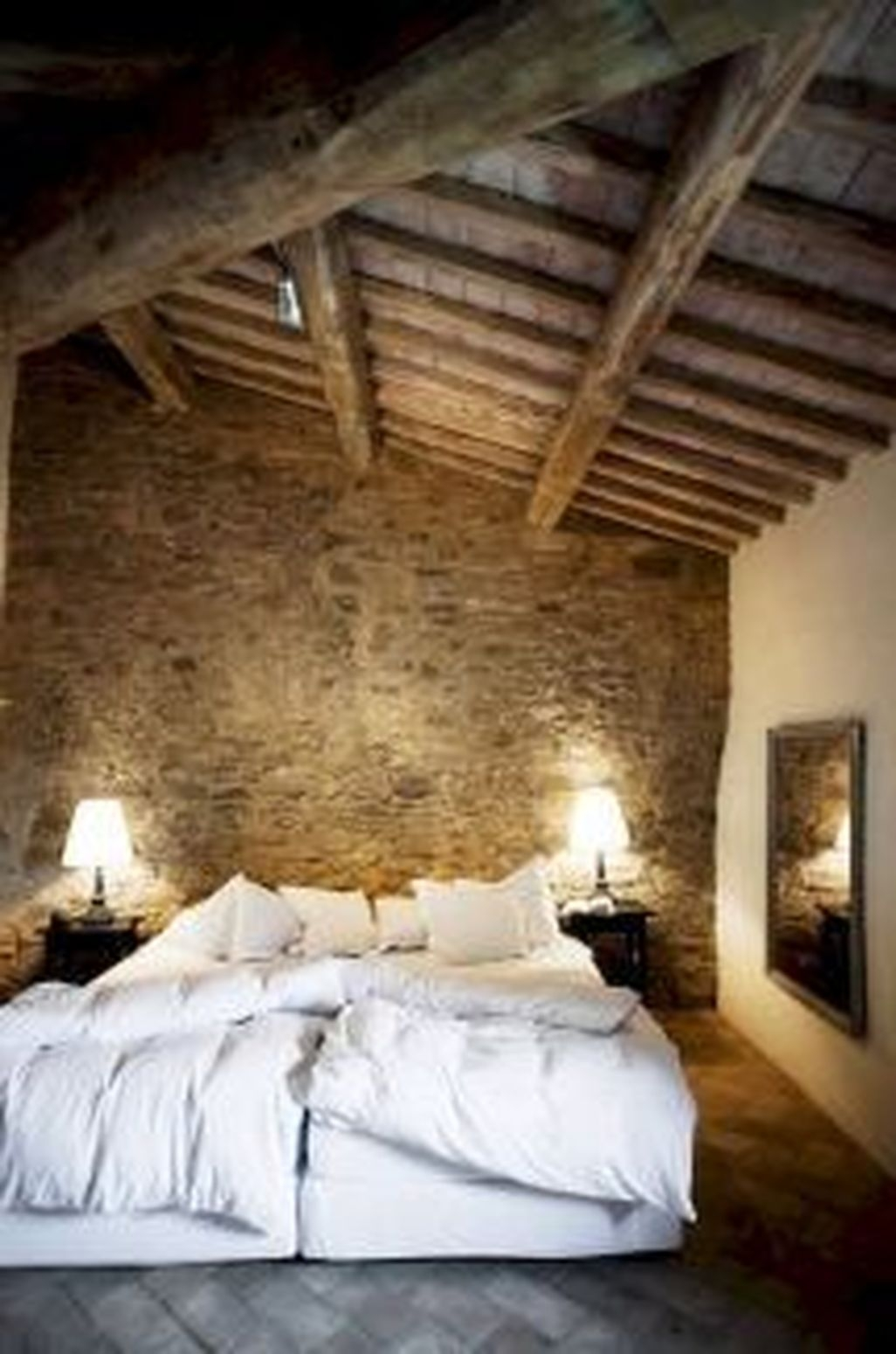 Awesome Rustic Farmhouse Bedroom Decoration Ideas 24
