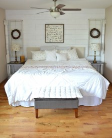 Awesome Rustic Farmhouse Bedroom Decoration Ideas 39