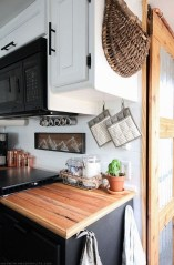 Awesome Rv Living Remodel Design Ideas 18