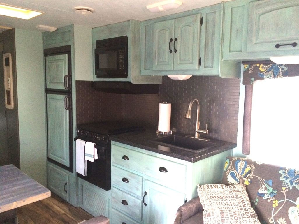 Awesome Rv Living Remodel Design Ideas 27