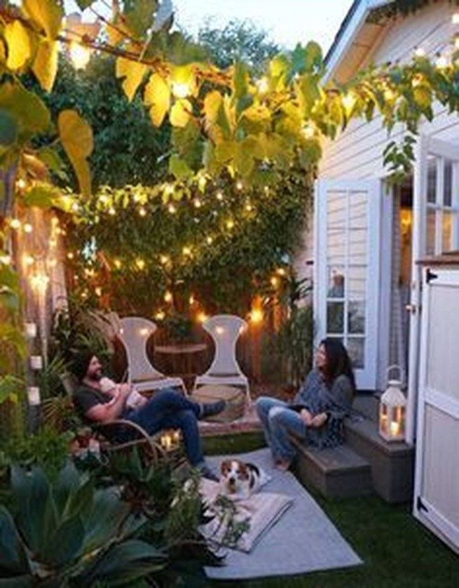 Awesome Small Backyard Patio Design Ideas 12