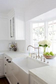 Awesome White Kitchen Backsplash Design Ideas 04