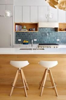 Awesome White Kitchen Backsplash Design Ideas 32