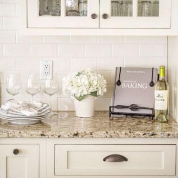 Awesome White Kitchen Backsplash Design Ideas 34