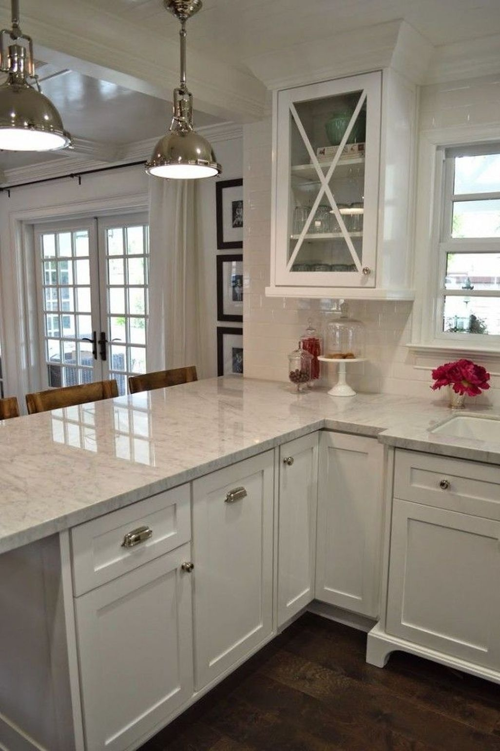 Awesome White Kitchen Backsplash Design Ideas 39